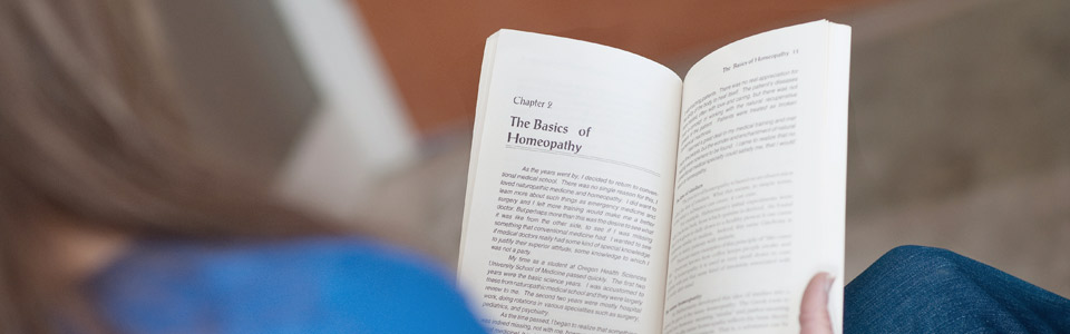 articles-reading-book-banner